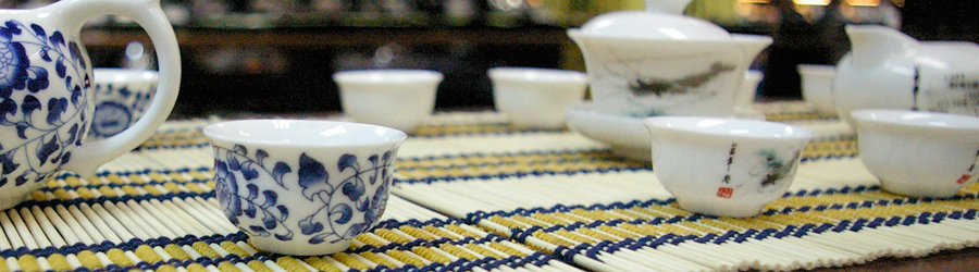 A tea set at the Tea Street, Maliandao