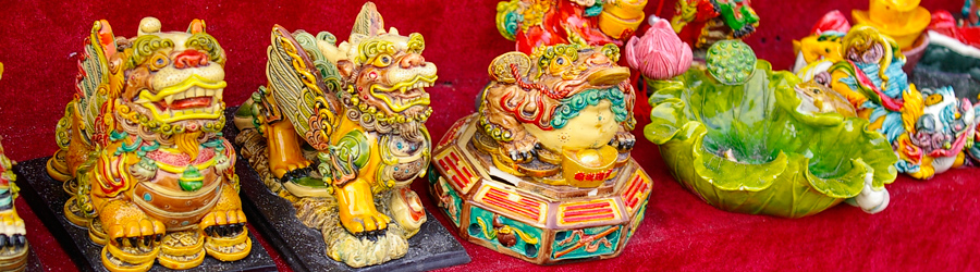 Painted miniature lions at Panjiayuan Market